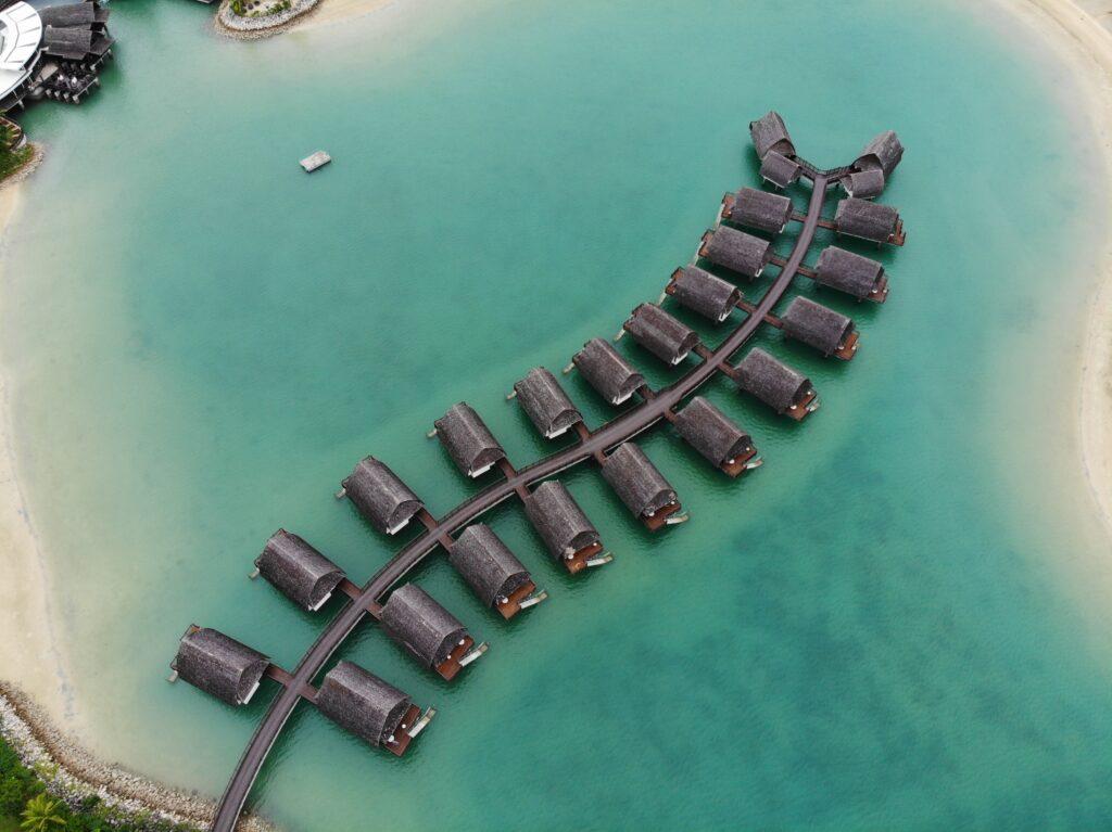 Marriott Momi Bay Overwater Bures